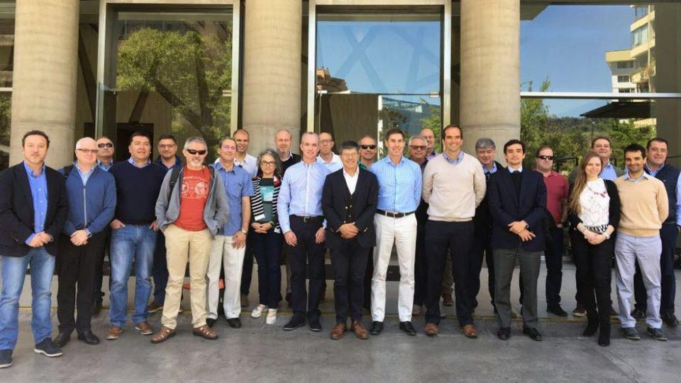 Misión de productores porcinos españoles se reúne con Asprocer