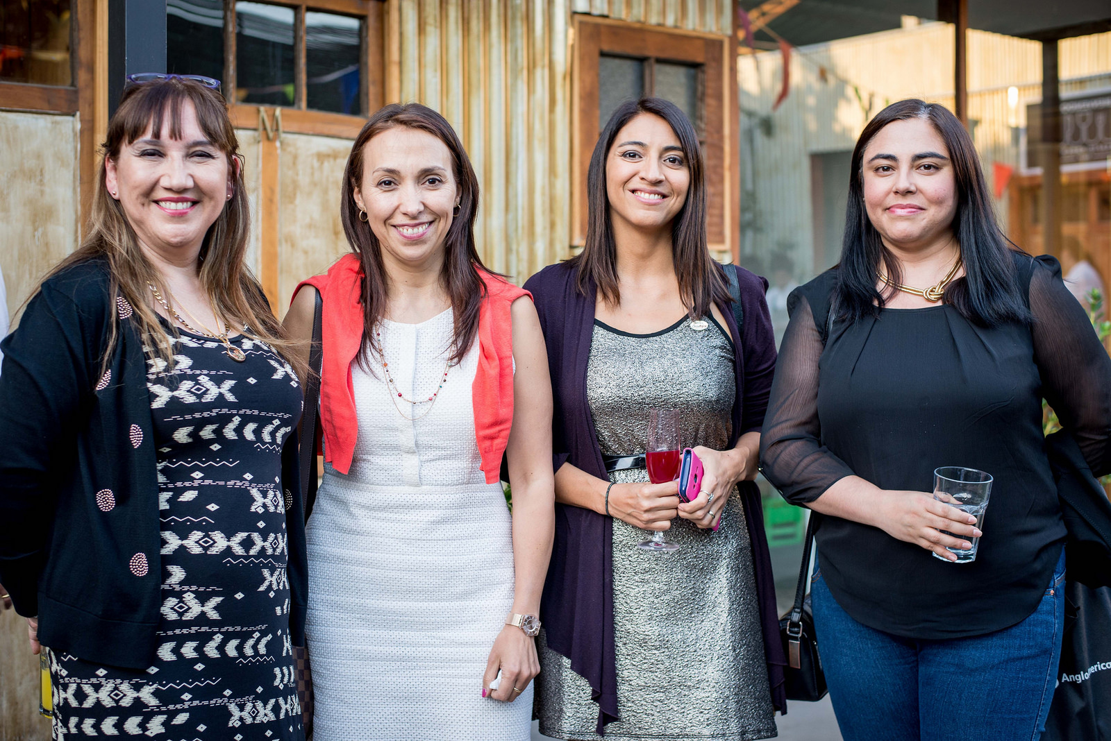 (De izquierda a derecha) Aileen Cárcamo, Jefa de Comunicaciones de Direcon; Paulina Nazal, Directora General de Direcon; Natalia Sepúlveda, Jefa del Departamento de Estudios y Marketing de Asprocer, y Denisse Vásquez, periodista del Diario Financiero.