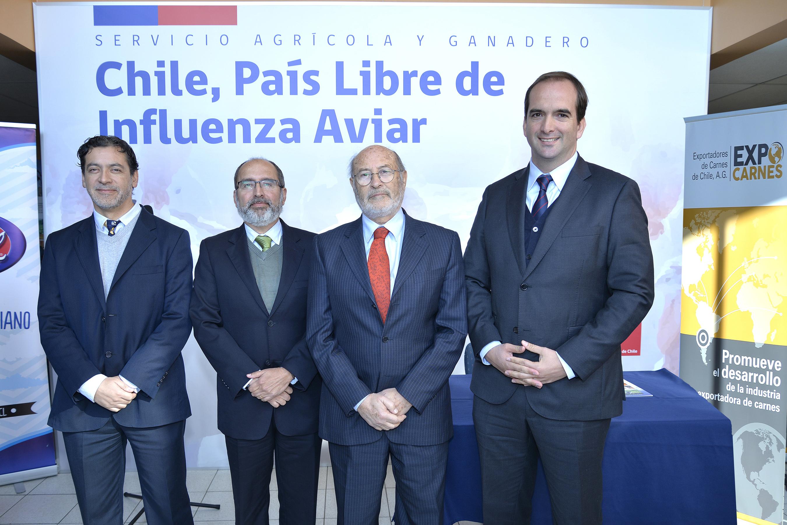 José Ignacio Gómez, Jefe de la División Pecuaria del SAG; Juan Jorge Enríquez, gerente general de Sopraval; Juan Carlos Domínguez, Presidente Ejecutivo de ExpoCarnes, y Ángel Sartori, Director Nacional del SAG.