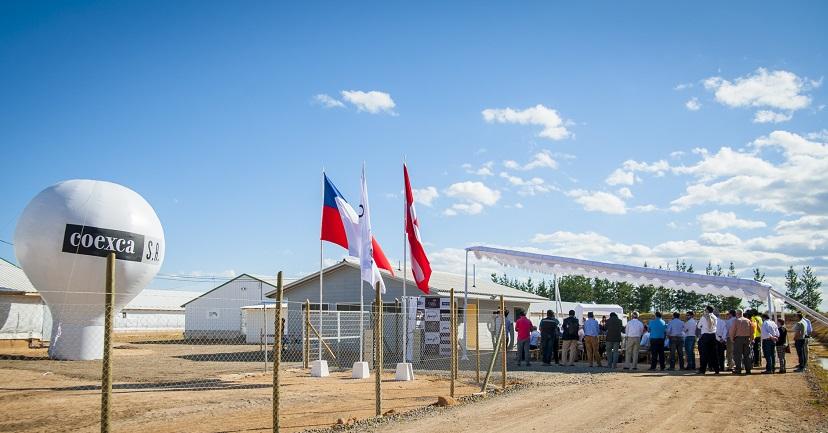Vista general de la ceremonia de inauguración del nuevo plantel de cerdos inaugurado por Coexca S.A., ubicado en el secano de la comuna de San Javier.